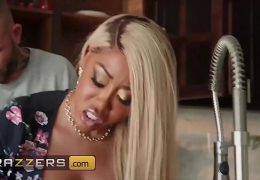 Cheating Wife (Moriah Mills) Gets Drilled By Husbands Pal – Brazzers