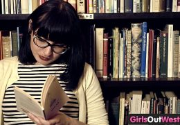 Girls Out West – Hairy lesbian girls in book store